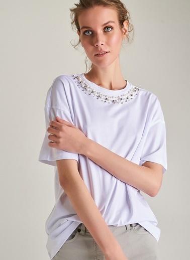 Ng Style Yakası İnci İşlemeli Tişört Beyaz